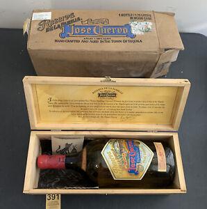 Jose Cuervo Tequila Reserva de La Familia BOX EMPTY BOTTLE 1995 Joel Rendon 1.75