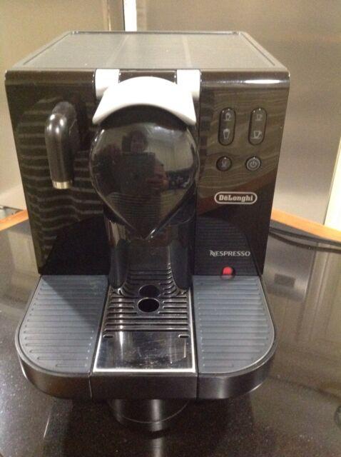 DeLonghi EN670.B Nespresso Lattissima single serve Espresso Cappuccino Maker