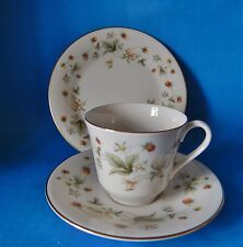 ROYAL DOULTON STRAWBERRY CREAM TC1118 TEA TRIO VERY GOOD CONDITION