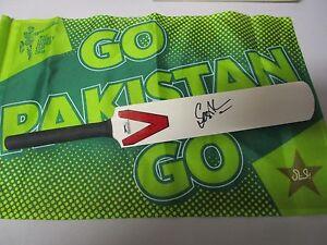 Sami-Aslam-Pakistan-signed-Slazenger-Mini-Bat-COA