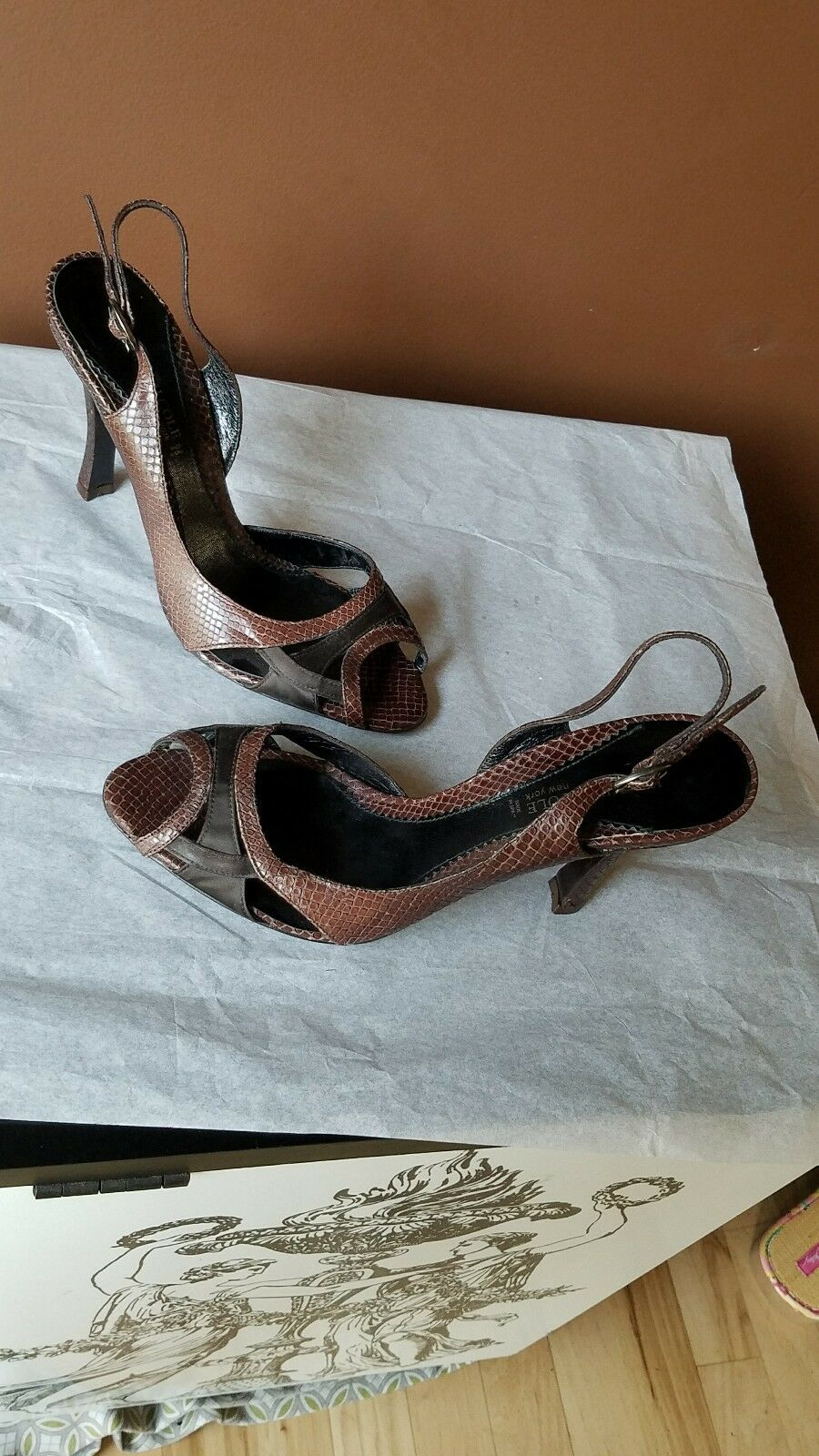 Kenneth Cole New York Sandals Brown w/Black Accents Leather Sandals York Size 8.5 MadeinSpain 737f06