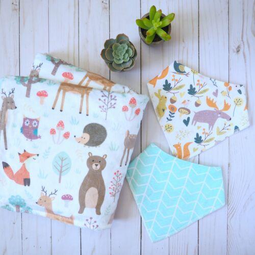 Woodland Creatures Baby Blanket /& Bandana Bibs Gift Set
