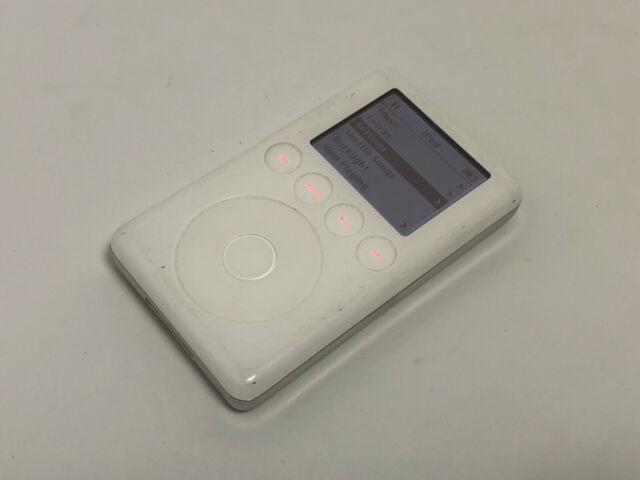 Apple iPod classic 3rd Generation White (20 GB) M9244LL A1040