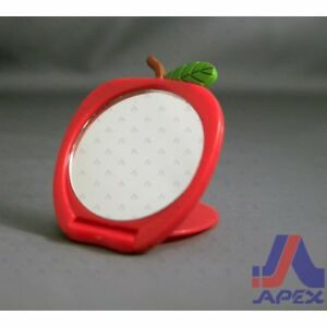 Apple-Compact-Mirror-Red-Green