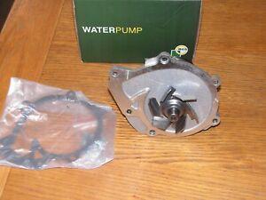 Toyota-Dyna-HiAce-HiLux-Land-Cruiser-Vigo-Water-Pump-CP3864