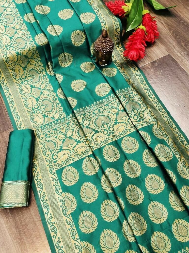 printed saree with free blouse