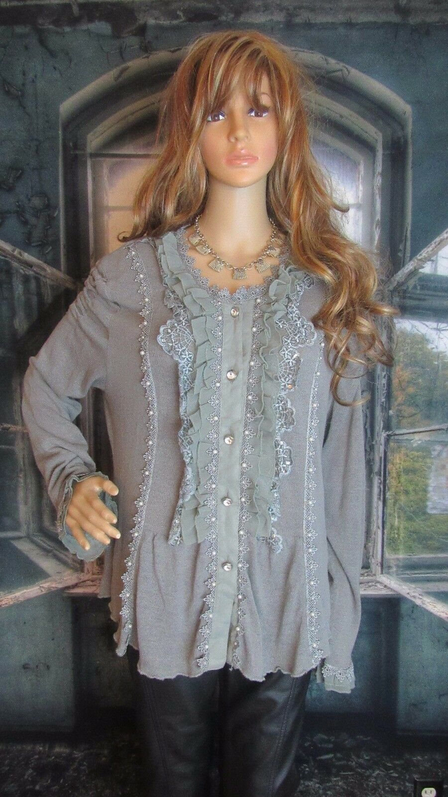 Pretty Angel Romantic Lace Ruffles Sequin & Pearl Embellished Sweater. Size XL.