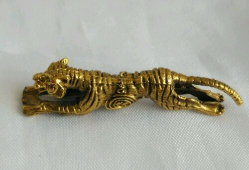 Pendant Tiger LP YAM Wat TaKian Thai Talisman Amulet Protect life Success