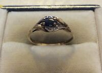 Pretty Ladies Hallmarked Vintage 9ct Gold Nice Sapphire And Diamond Ring - O