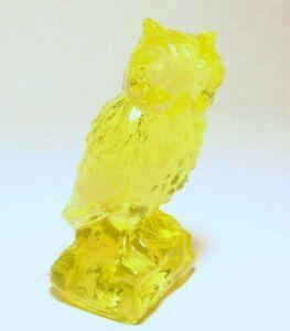 Boyd-Glass-Owl-Figurine-25-FIREFLY-Yellow-Vaseline-made-8-27-80-NO-Lines