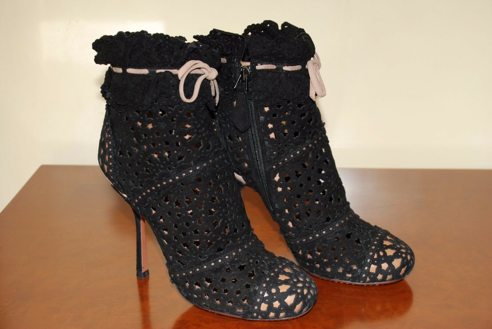 AZZEDINE ALAIA BOOTS   HAUTE COUTURE   NEW   VALUE 2400 EUROS, ONLY PAIR ON EBAY