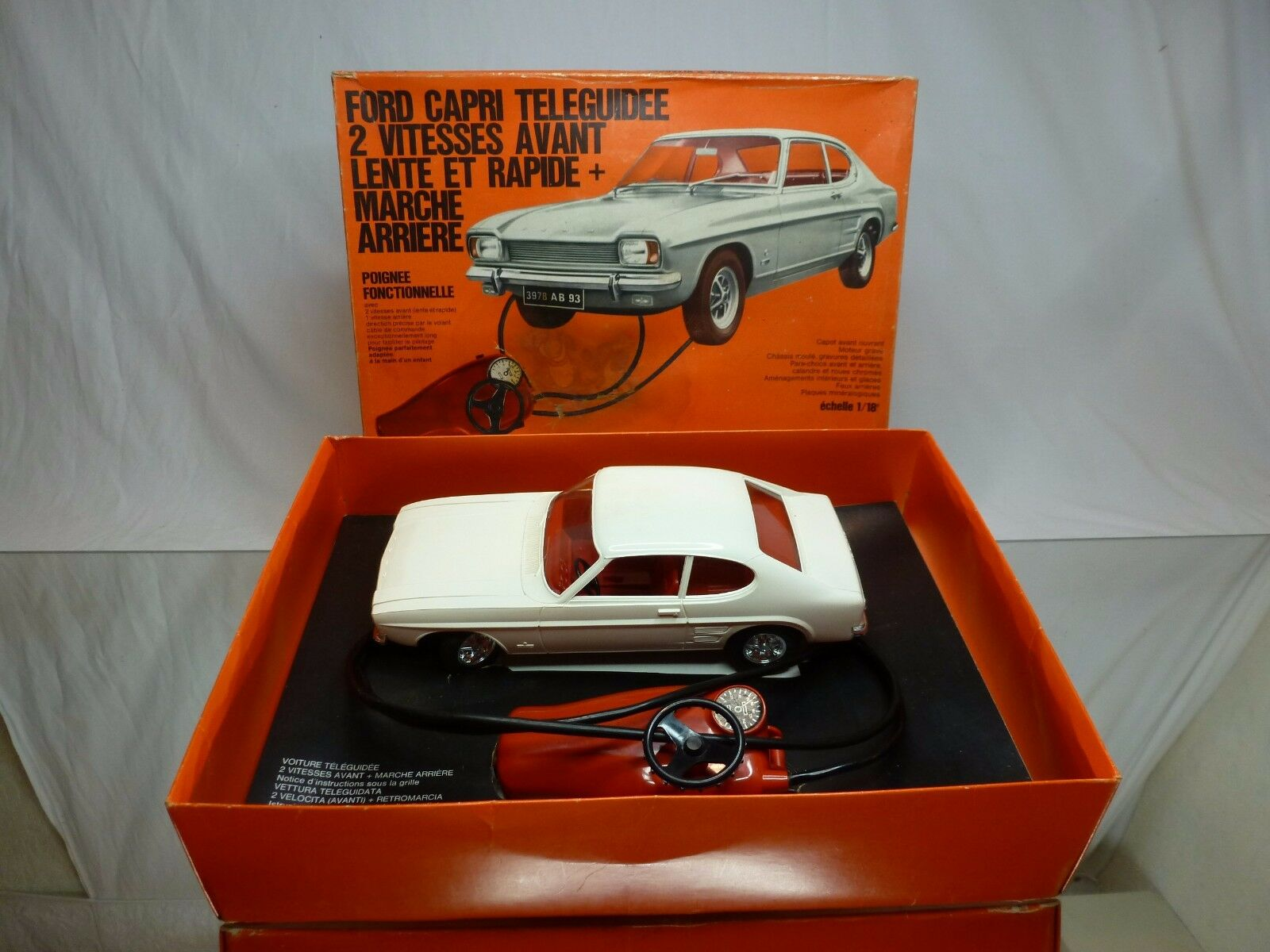 MECCANO TRIANG FORD CAPRI - BATTERY RADIO CONTROL -  blanc 1 18 RARE- GOOD IN BOX  vendre comme des petits pains