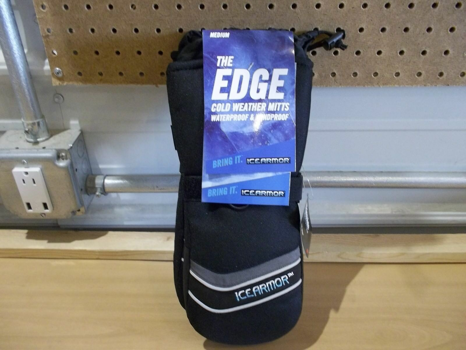 Clam Ice Armor Edge Cold Weather Mitts windproof waterproof  size Medium NWT  lightning delivery