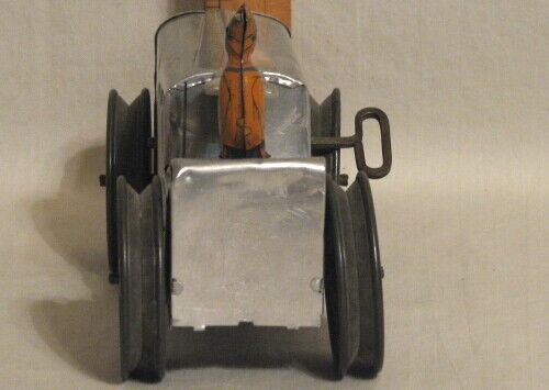 RARE VINTAGE VINTAGE VINTAGE LOUIS MARX WIND-UP ALUMINUM and TIN TRACTOR with LITHO FARMER 7315cf