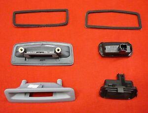 RENAULT-Megane-MK2-luggage-tailgate-handle-catch-latch-8200171080