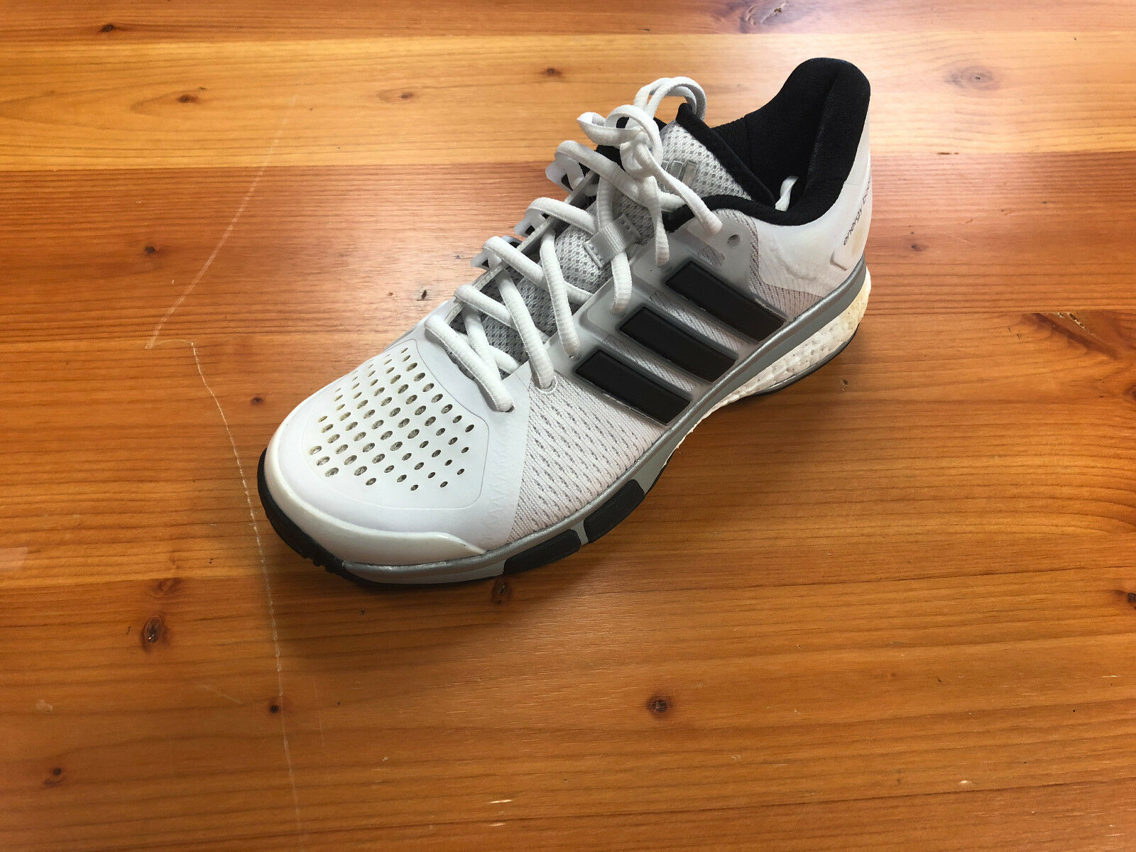 Men's Adidas Tennis Energy Boost Preowned Tennis shoes Size 7