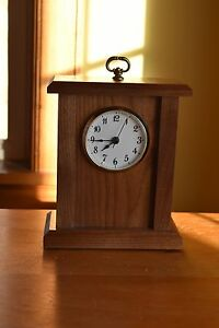 Small-mantle-clock