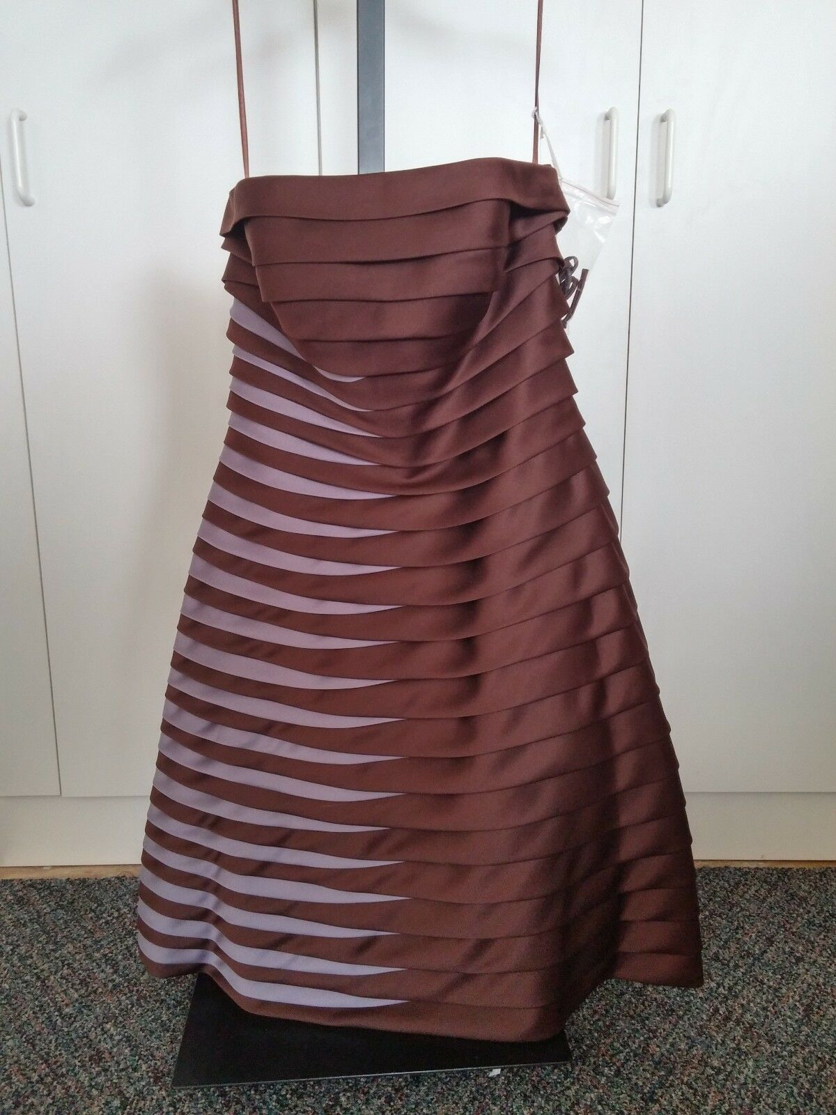 BARI JAY LADIES SHORT GOWN-10-NWT- TAG-HORIZONTAL OVERLAPPING PLEATS-HEAVY