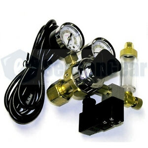 Milwaukee-MA957-CO2-Regulator-115V-Solenoid-Bubble-Counter-10-ft-CO2-Tubing