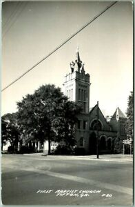 TIFTON-Georgia-RPPC-Real-Photo-Postcard-FIRST-BAPTIST-CHURCH-Street-View-c1940s