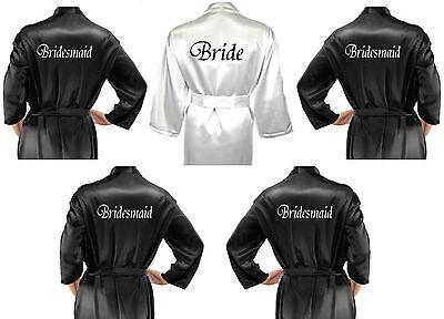 Personalizzato Set Di 5 Black & White Da Sposa In Raso Matrimonio Accappatoio/vestaglie-mostra Il Titolo Originale Elaborato Finemente