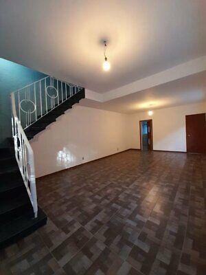 Casa en venta con uso de suelo para oficinas
