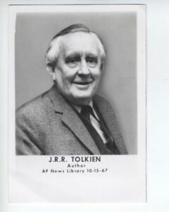 J-R-R-TOLKIEN-The-Lord-of-the-Rings-original-photo-from-1967-very-rare-Hobbit