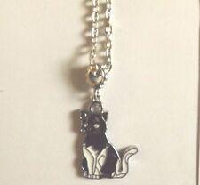 collier chaine argenté 46 cm avec pendentif chat noir et blanc