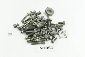 Husqvarna-TE-410-2AA-Bj-1996-Motorschrauben-Reste-Kleinteile-N1051