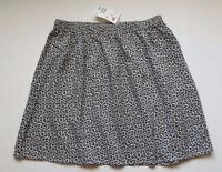 H&m Divided Light Mini Skirt Size 8 Black & White Flower Print Elastic Waist