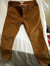 Banana Republic Capri Pants, size 28P, flat front .pockets, corduroy,light brown
