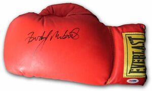 Buddy-McGirt-Signed-Autographed-Everlast-Boxing-Glove-PSA-DNA-M58762
