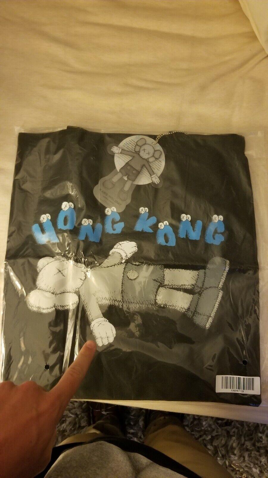 Kaws Holiday Hong Kong Tote Tasche