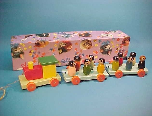 VINTAGE WOODEN TRAIN w  FIGURES PULL TOY BOXED (NEW OLD STOCK) silverINA BOX