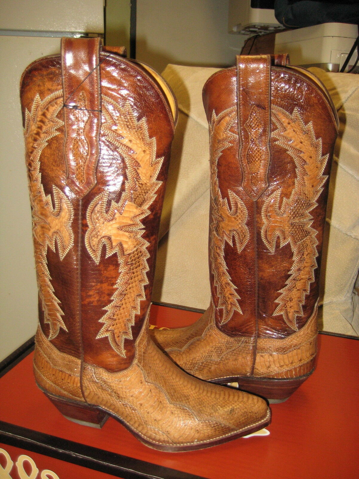 Tony Mora  Western Boots Womens Brown snake Leather  814 Size 4 New