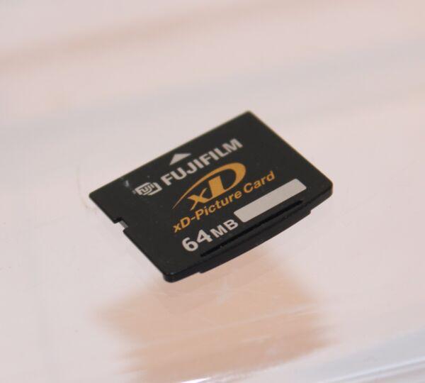Candide Fujifilm 64 Mo Xd Carte... Testé Et De Travail (xd81) RafraîChissement