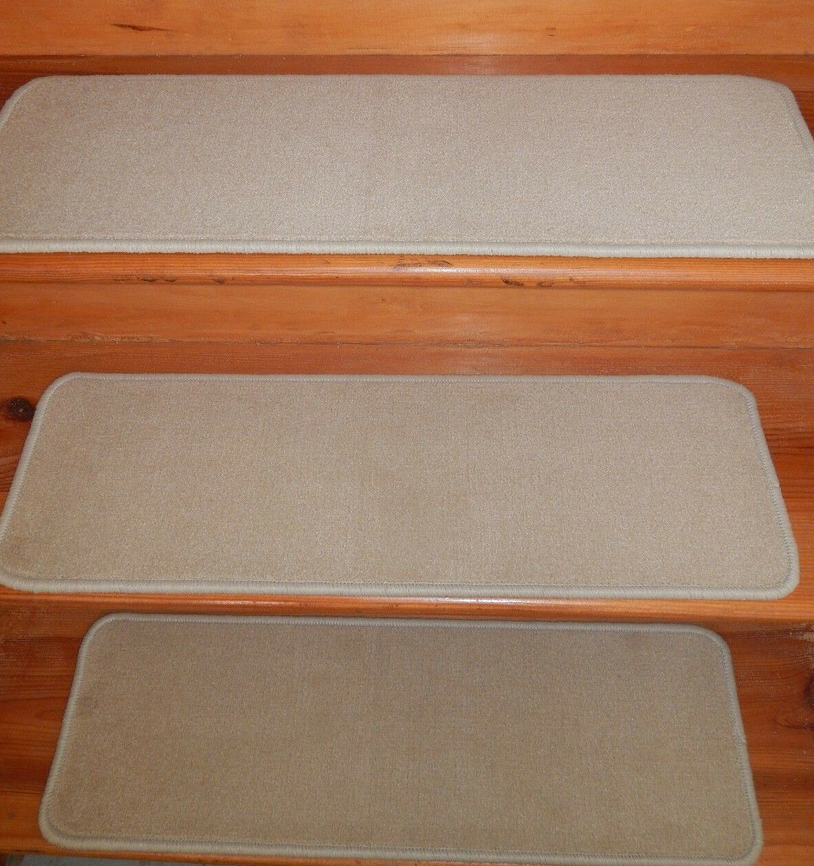 13 Step = 9'' x 28'' + 1 Landing 27'' x 28'' Stair Treads Wool Blend carpet  .