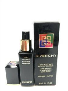 Givenchy Concealing Foundation Matte Finish (Soleil/Sun 5), Discontinued!