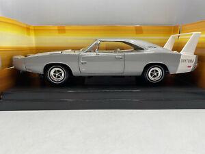 Ertl-1969-Dodge-Daytona-1-4-Mile-Mopar-Hemi-Rare-1-18-Diecast-American-Muscle