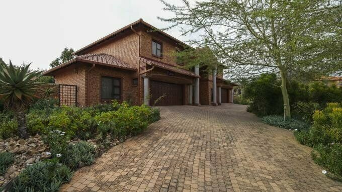5 Bedroom with 5 Bathroom House For Sale in The Wilds Estate Gauteng