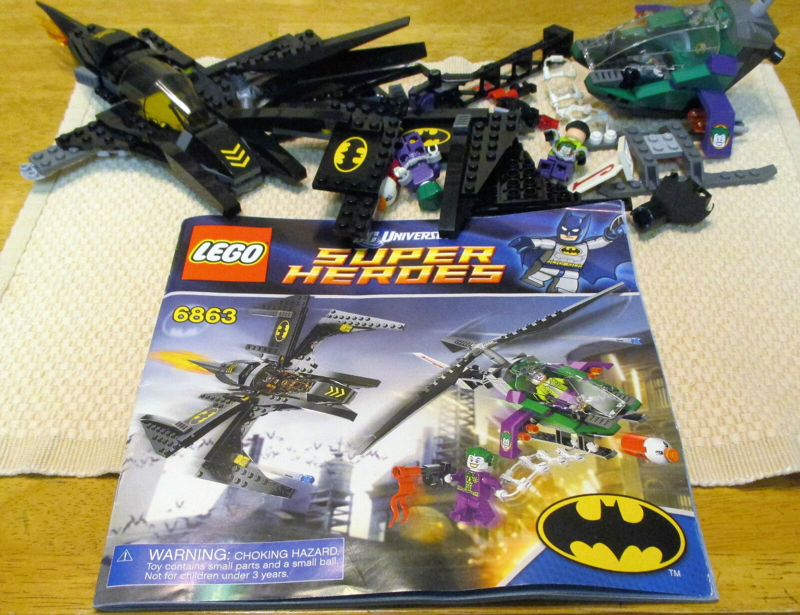 LEGO, SUPER HEROES, BATWING BATTLE OVER GOTHAM città(6863).  WITH  uomoUAL . (6348)  acquista online