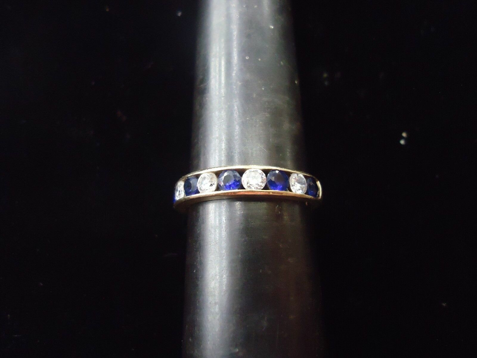 10 KT YELLOW gold SAPPHIRE AND CZ RING