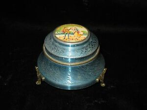 Vtg Footed Blue Metal Powder Box with Courting Couple -Man Playing Guitar & Girl