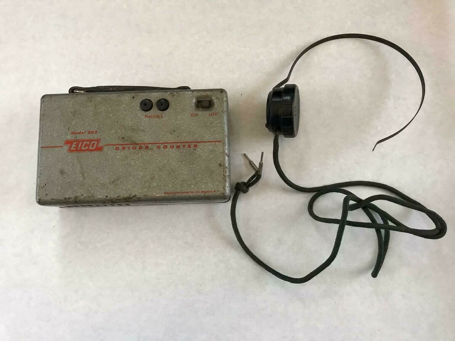 s l1600 - EICO Model 803 Vintage Geiger Counter with Headset / Brooklyn, NY USA
