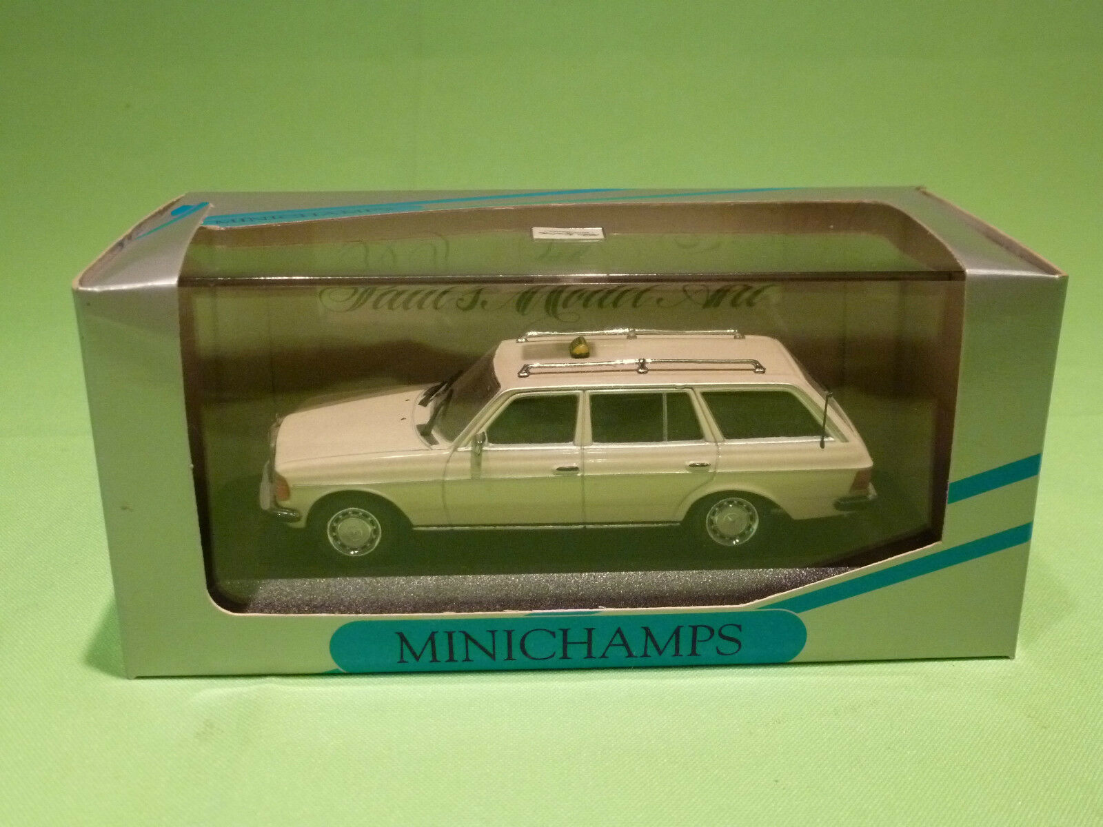MINICHAMPS 1 43  MERCEDES BENZ W 123 KOMBI TAXI   - NEAR MINT   - IN BOX