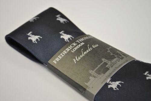 Frederick Thomas Bleu Marine Cravate avec médiéval chevalier joute Design FT2127
