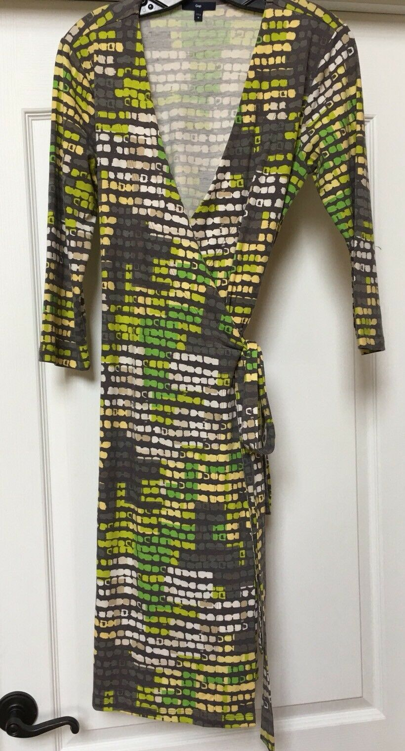 Gap knit wrap dress 3 4 sleeved stretch multi-color , Size M.   NWOT