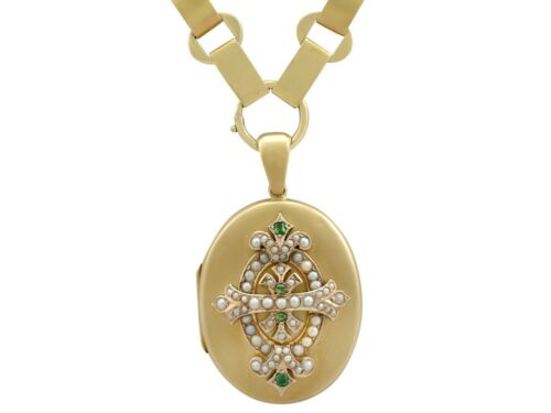 0.15 Ct Emerald and Seed Pearl, 15k Yellow Gold Lo
