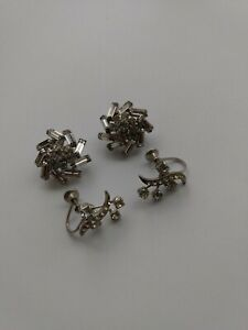 2-PAIRS-VINTAGE-SILVER-TONE-WITH-CLEAR-RHINESTONE-Earrings-Screwback-amp-Clip-on