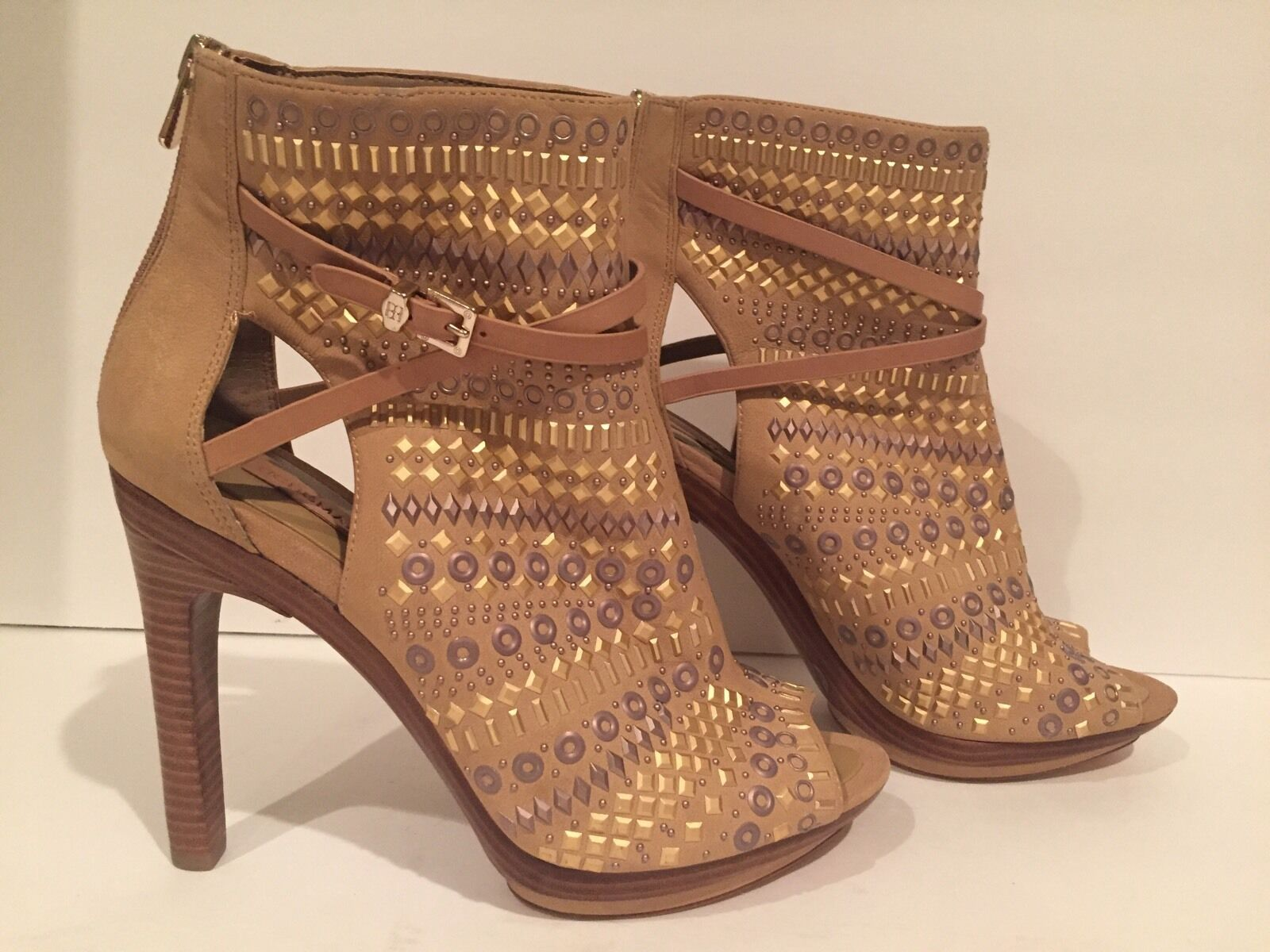 BCBG Max Azria West 2 Ankle Boots Heels Nubuck Leather Studs Beige 39.5/ 9.5 B